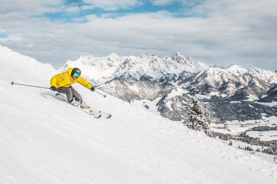 You have the choice during your skiing holidays in the PillerseeTal valley! & skifahren-pillerseetal3.jpg